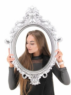 Large Size Silver Colour Antique Style Oval Posing Frame